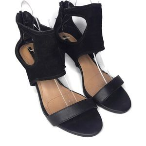Tahari National Black Leather Zip Back Sandal 8